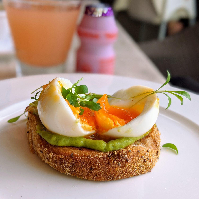 capella singapore The Knolls breakfast avocado toast
