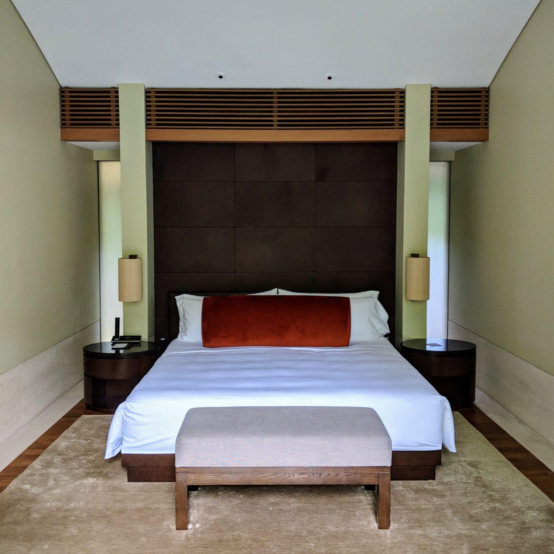 capella singapore One Bedroom Garden Villa bedroom