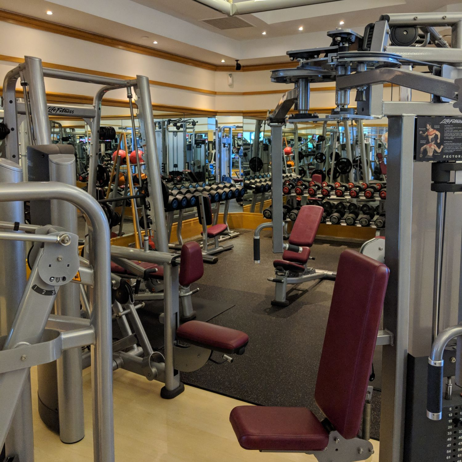Four Seasons Hotel Singapore Fitness Centre
