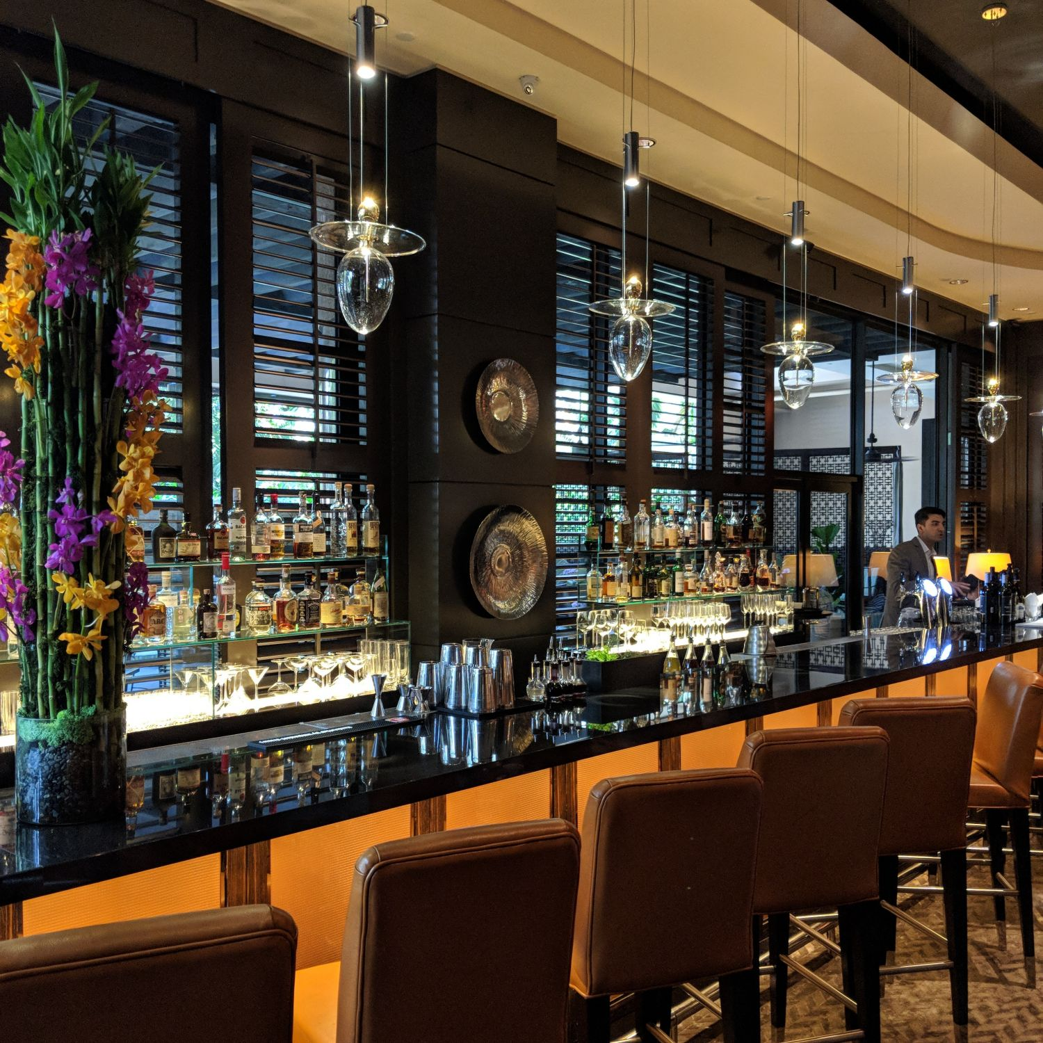 Four Seasons Hotel Singapore One-Ninety Bar