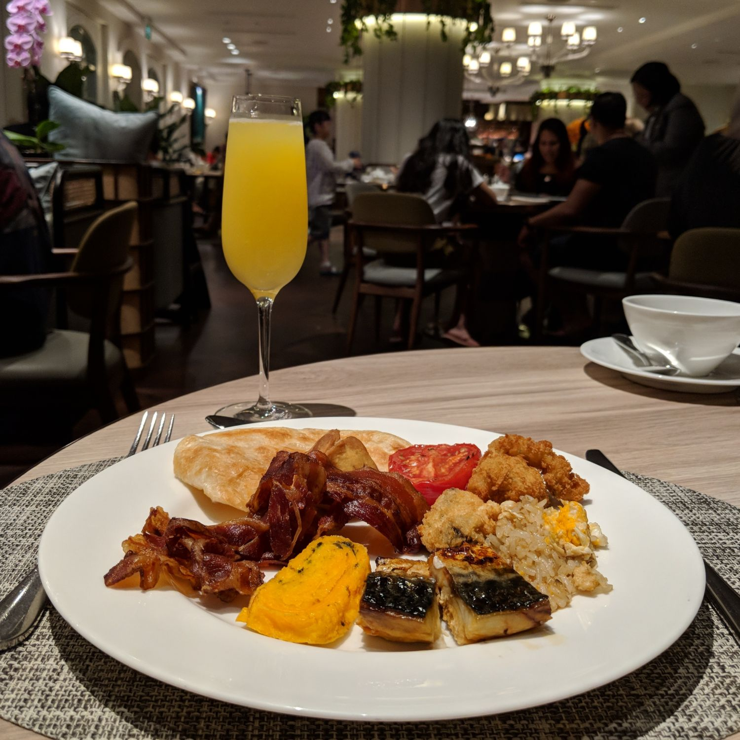 Four Seasons Hotel Singapore One-Ninety Restaurant Breakfast