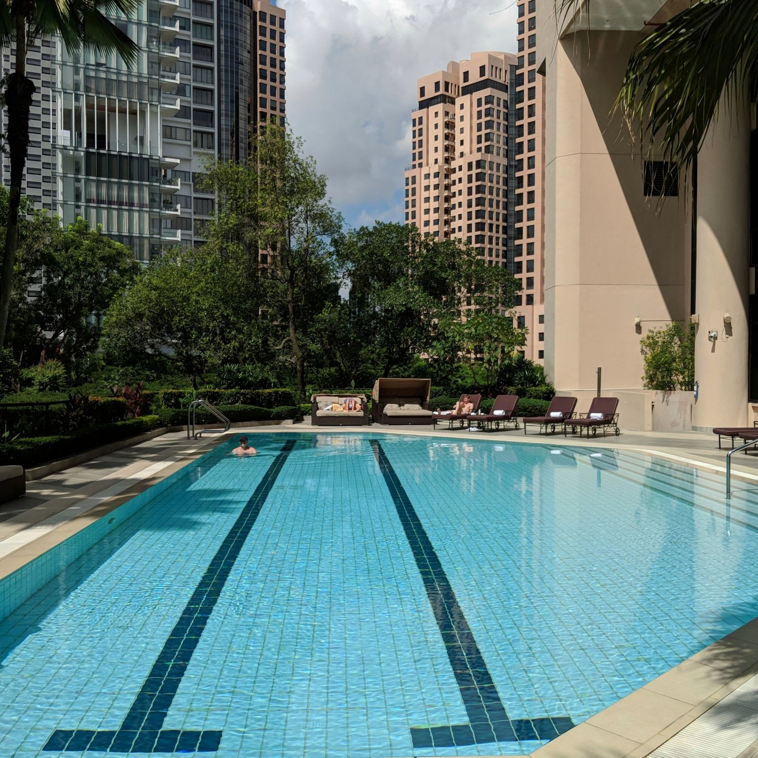 Four Seasons Hotel Singapore Outdoor Lap Pool