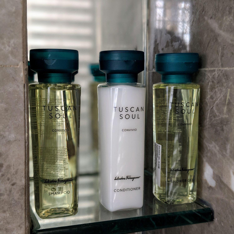 grand hyatt taipei Grand Executive View Suite Bathroom Amenities