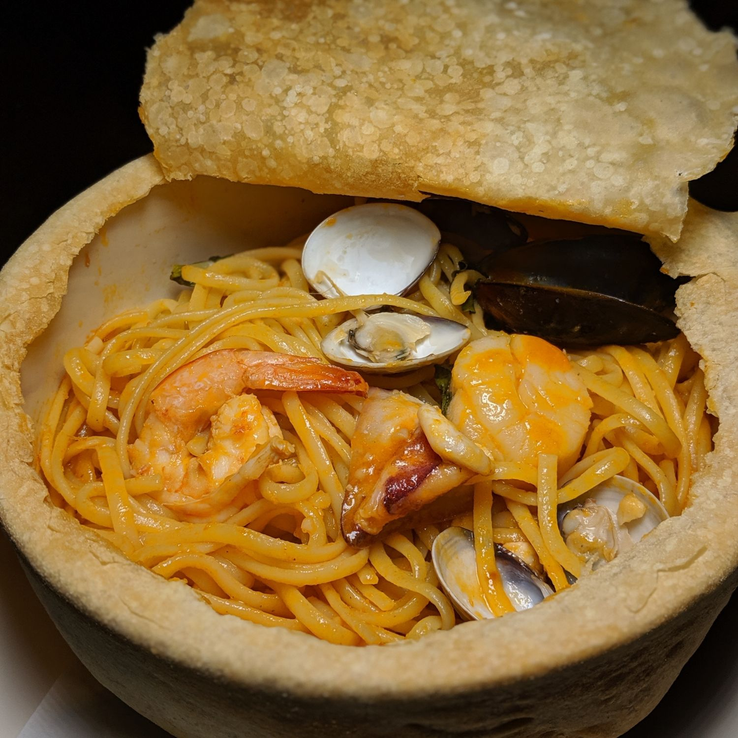grand hyatt taipei ziga zaga Baked Seafood Linguine with Pizza Crust