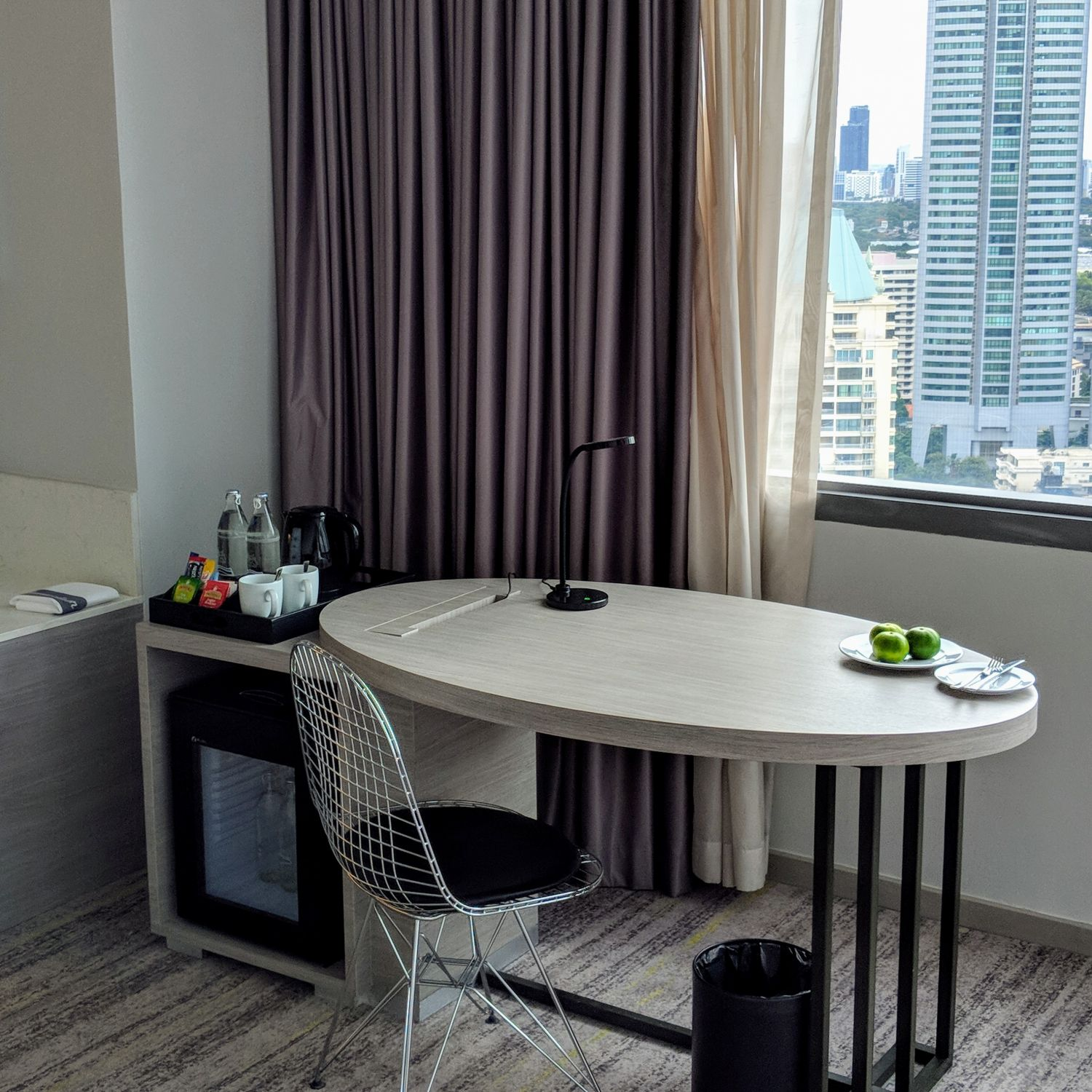 Hyatt Place Bangkok Sukhumvit View Specialty King Workspace