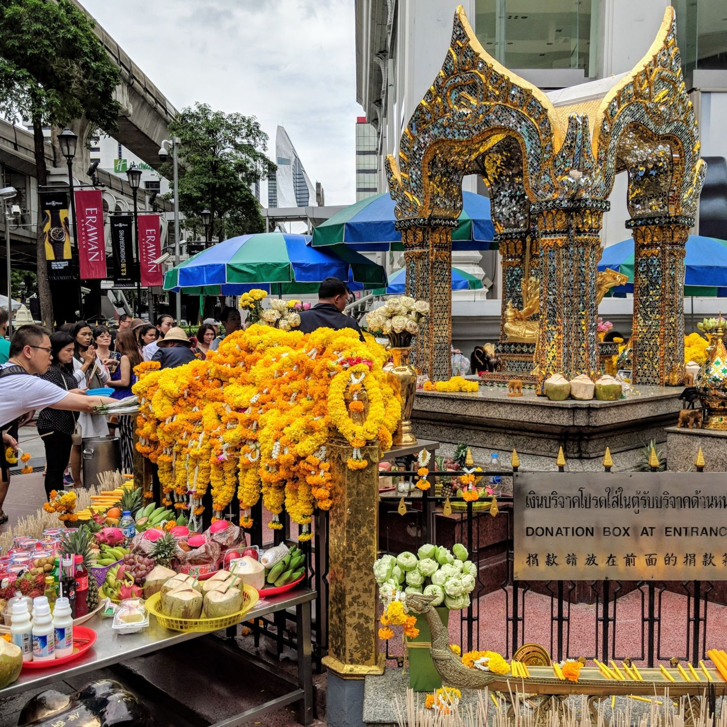 Hyatt Place Bangkok Sukhumvit Erawan Shrine