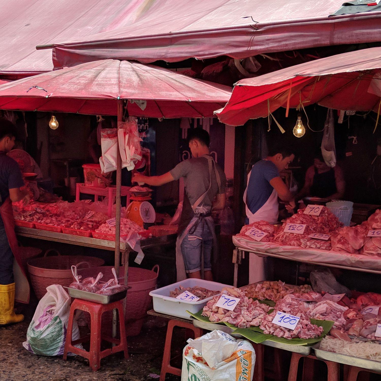 Hyatt Place Bangkok Sukhumvit Klong Toey Market