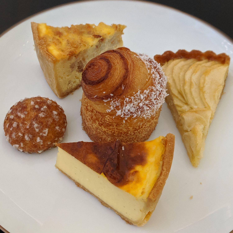 raffles hotel singapore tiffin room breakfast pastries