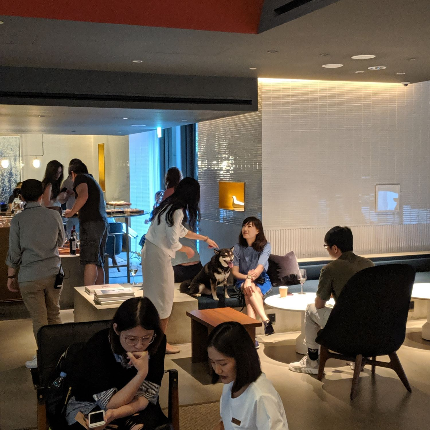 kimpton da an hotel taipei social hour honor bar