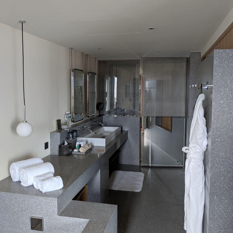 kimpton da an hotel taipei da an suite bathroom