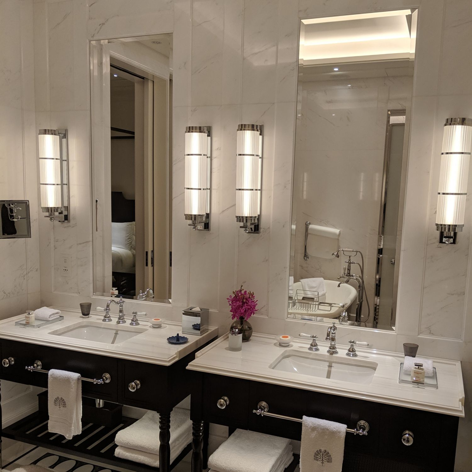 raffles hotel singapore palm court suite bathroom