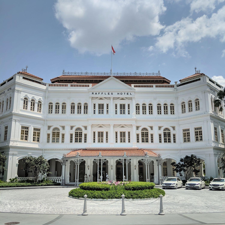 raffles hotel singapore day facade