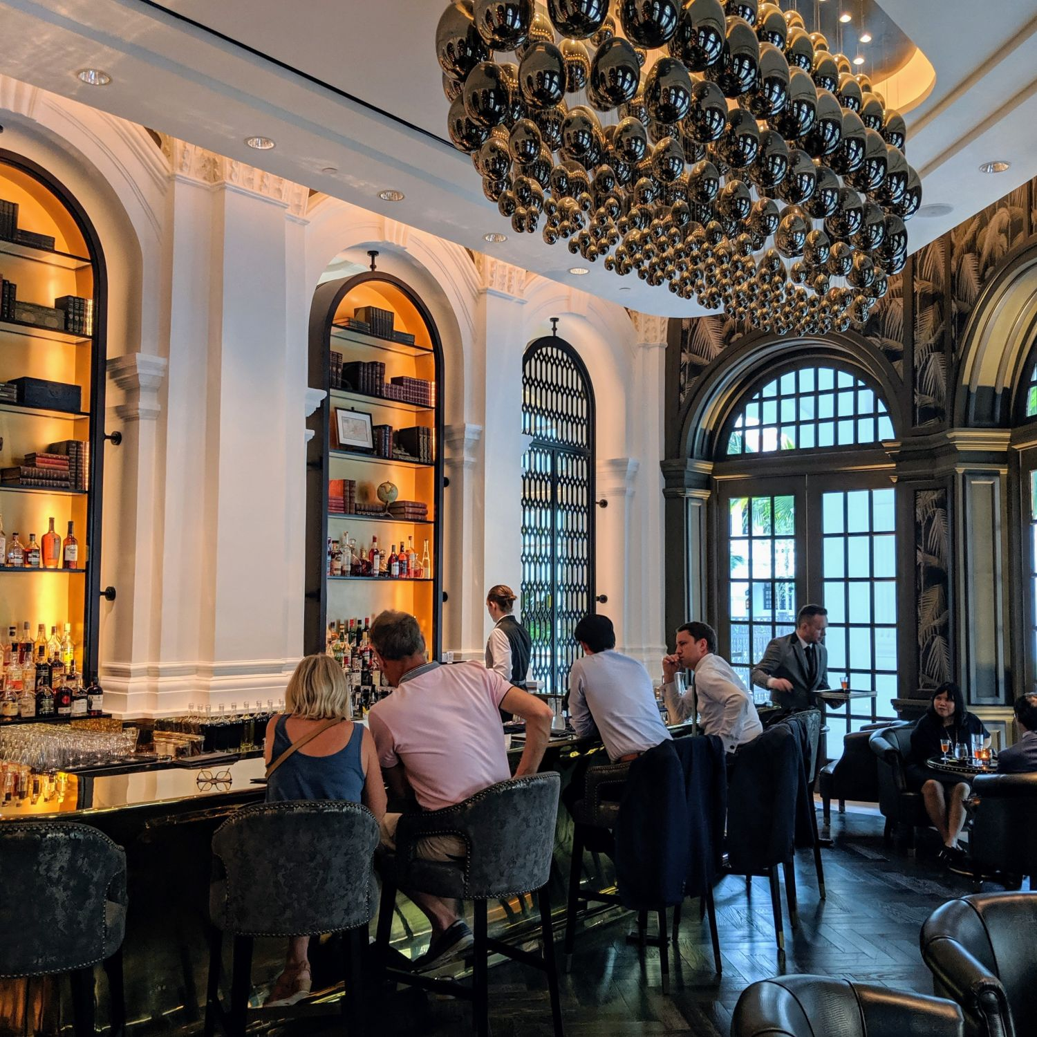 raffles hotel singapore writers bar