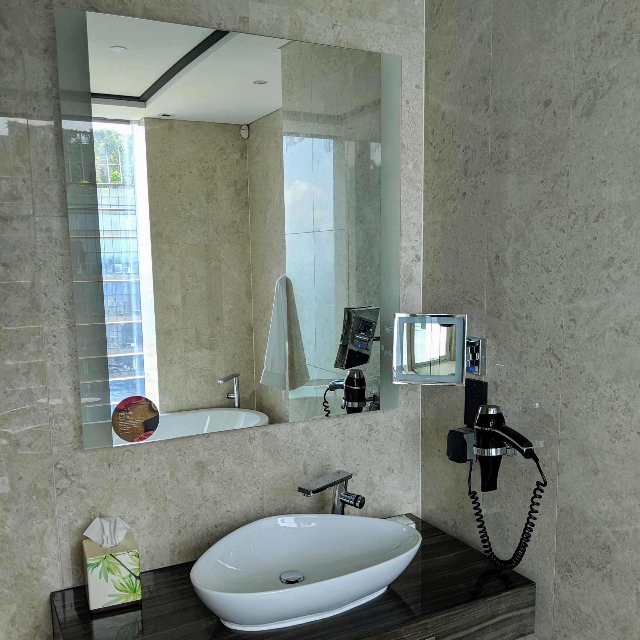 the westin singapore westin club room bathroom