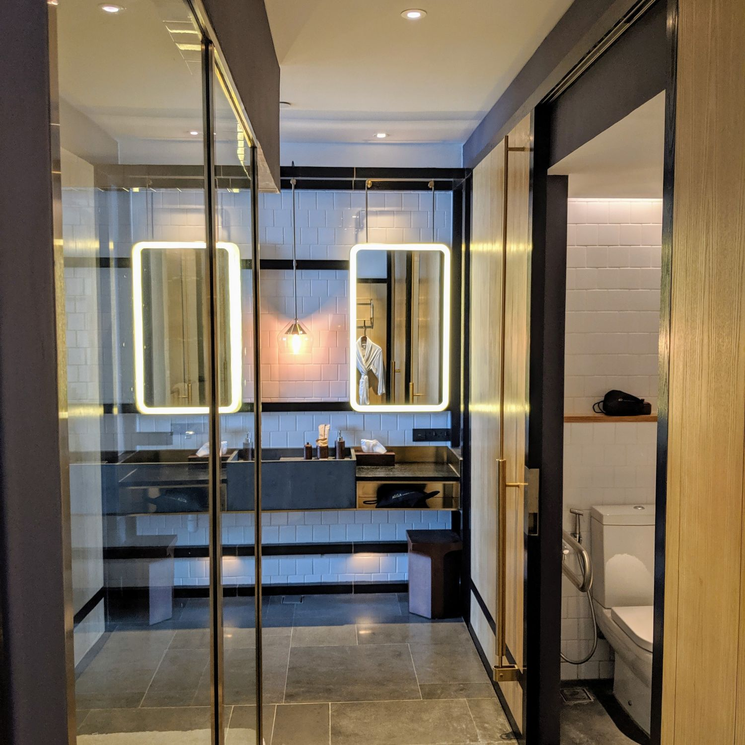 alila bangsar king bed deluxe bathroom