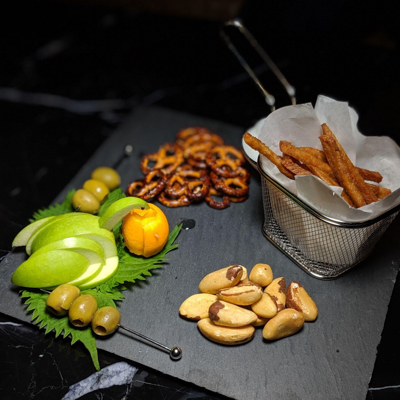 crocksford hotel genting bar evening cocktails snack platter