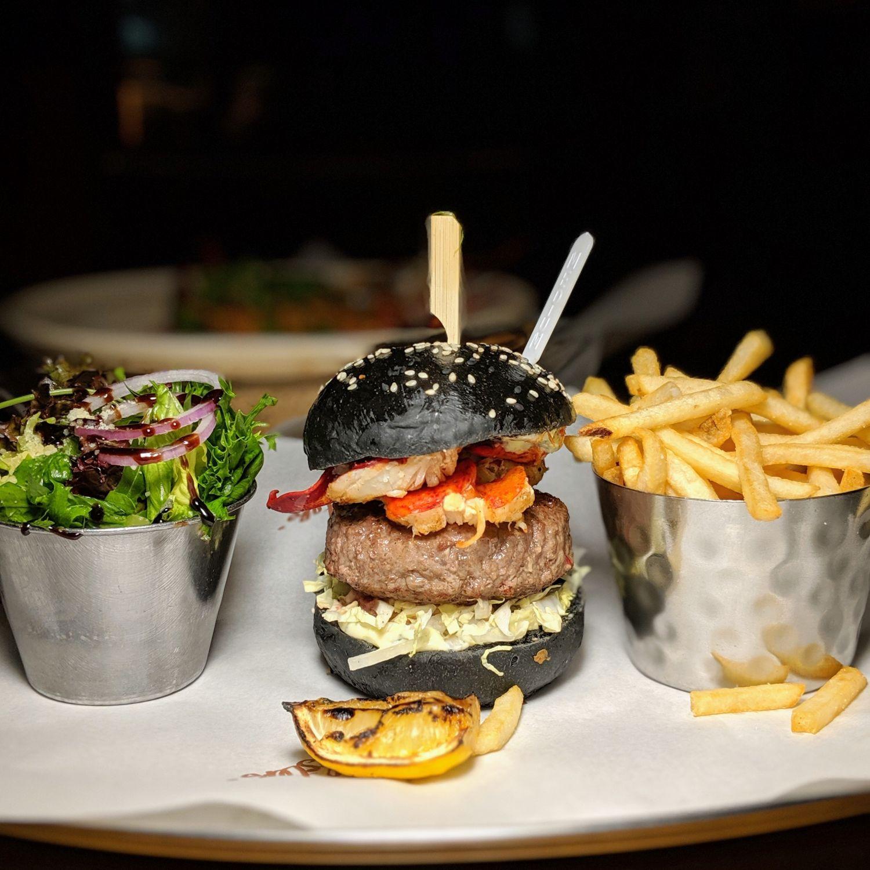 crocksford hotel genting resorts world genting skyavenue burger & lobster the b&l burger