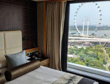 Hotel Review: Mandarin Oriental, Singapore (Ocean Grand Room) – Classic Elegant Luxury in Marina Bay