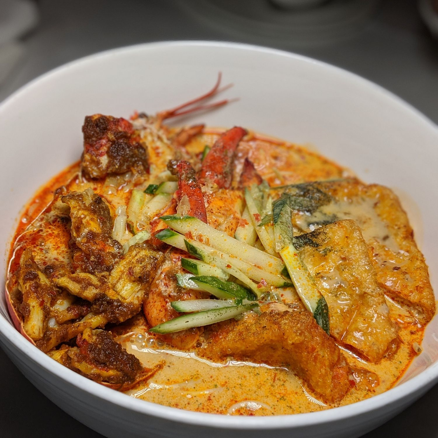 mandarin oriental singapore in-room all day dining menu signature maine lobster laksa