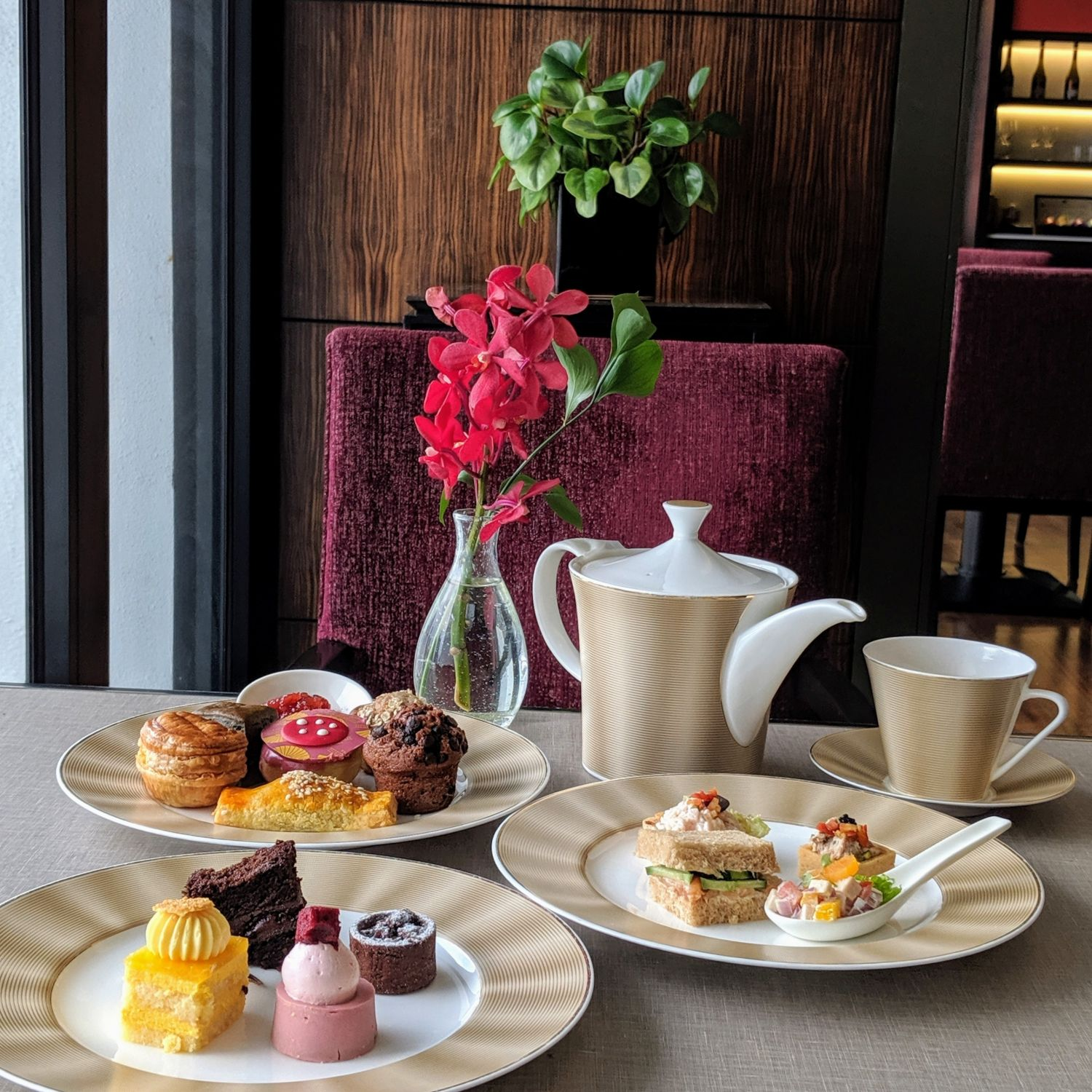 mandarin oriental singapore oriental club lounge afternoon tea