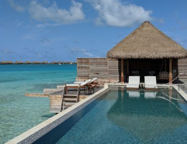 Hotel Review: Waldorf Astoria Maldives Ithaafushi (Beach and Grand Reef Villas) – Unforgettable, Ultra-luxurious Sun-soaked Paradise in the Maldives