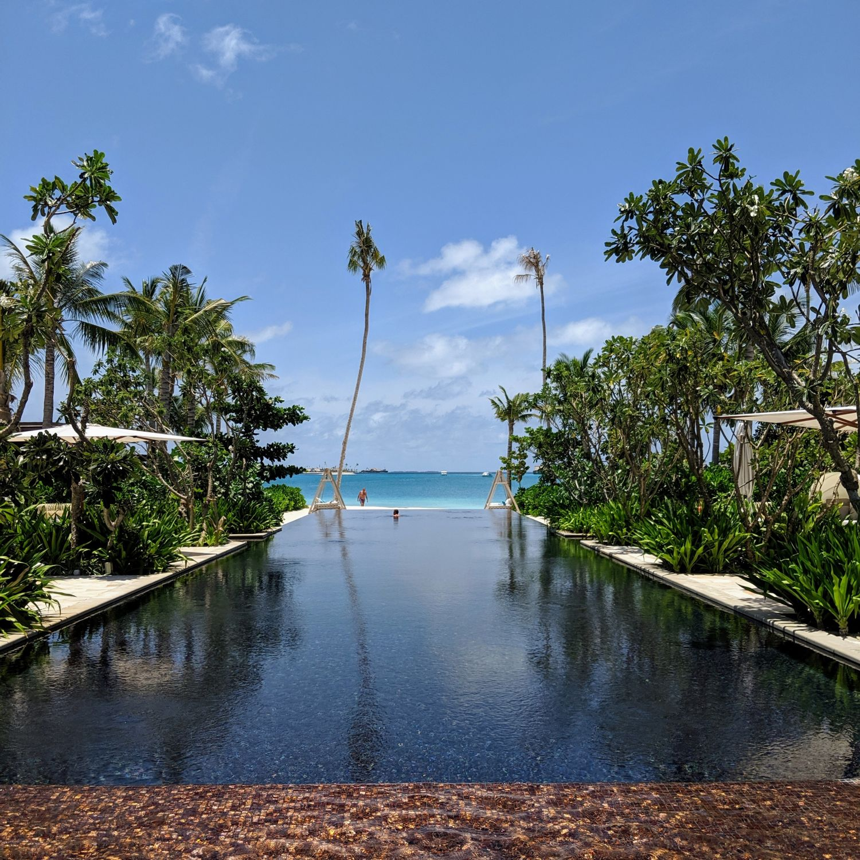 waldorf astoria maldives ithaafushi adult pool