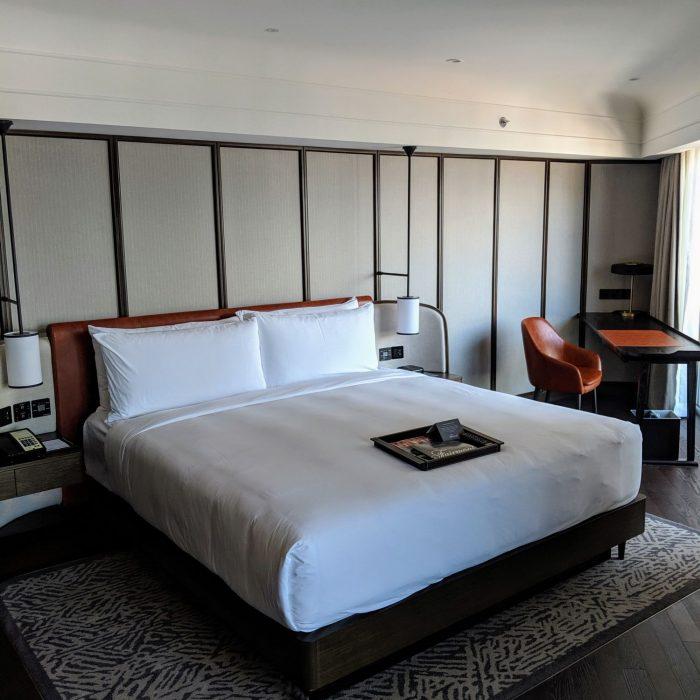 fairmont singapore signature gold king suite