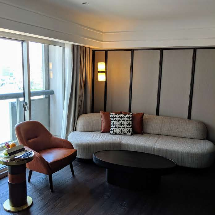 fairmont singapore signature gold king suite