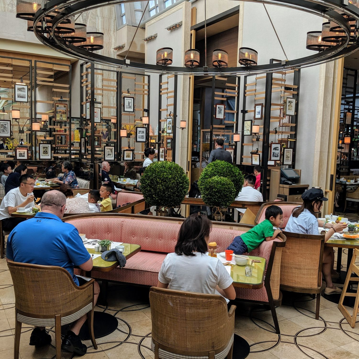 the ritz-carlton, millenia singapore colony breakfast
