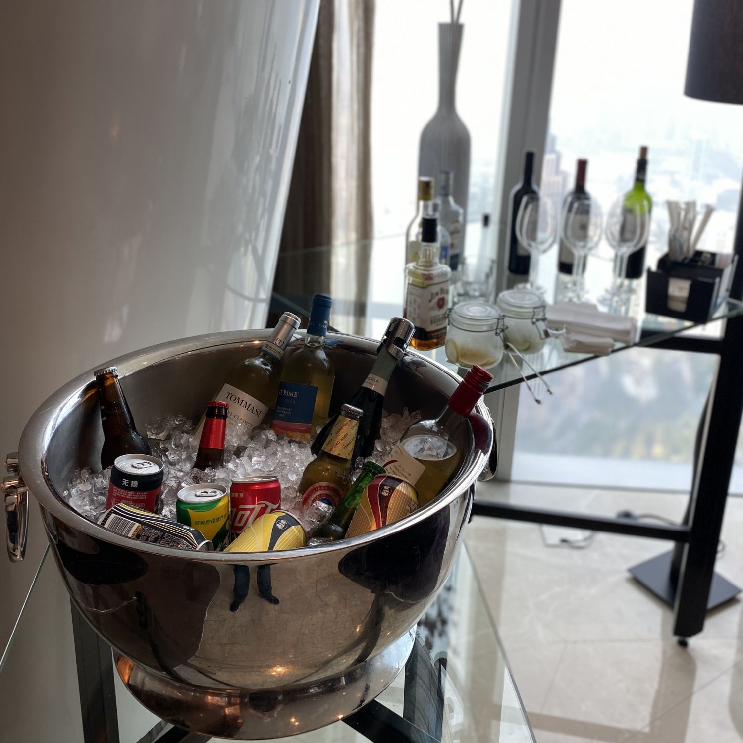 four seasons hotel guangzhou executive club lounge alcohol selection