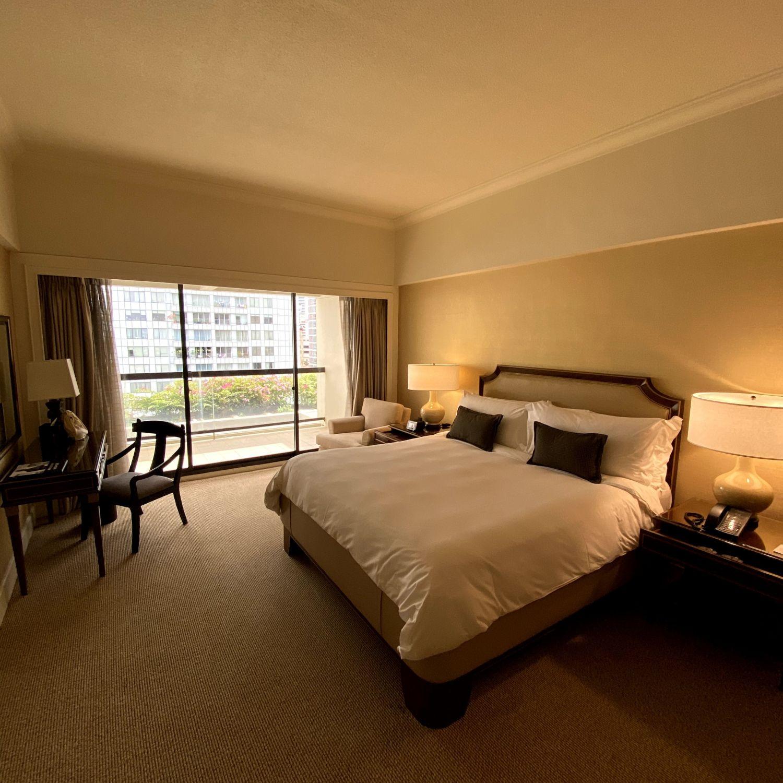 regent singapore regent club executive suite bedroom