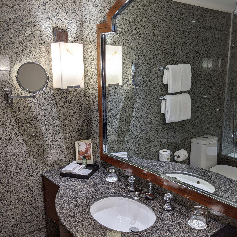 regent singapore regent club executive suite bathroom