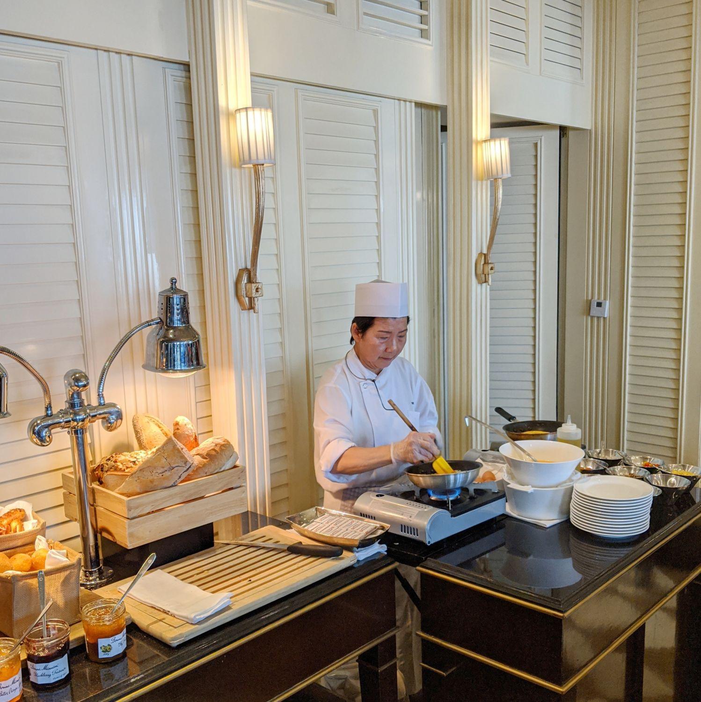 regent singapore regent club breakfast egg station