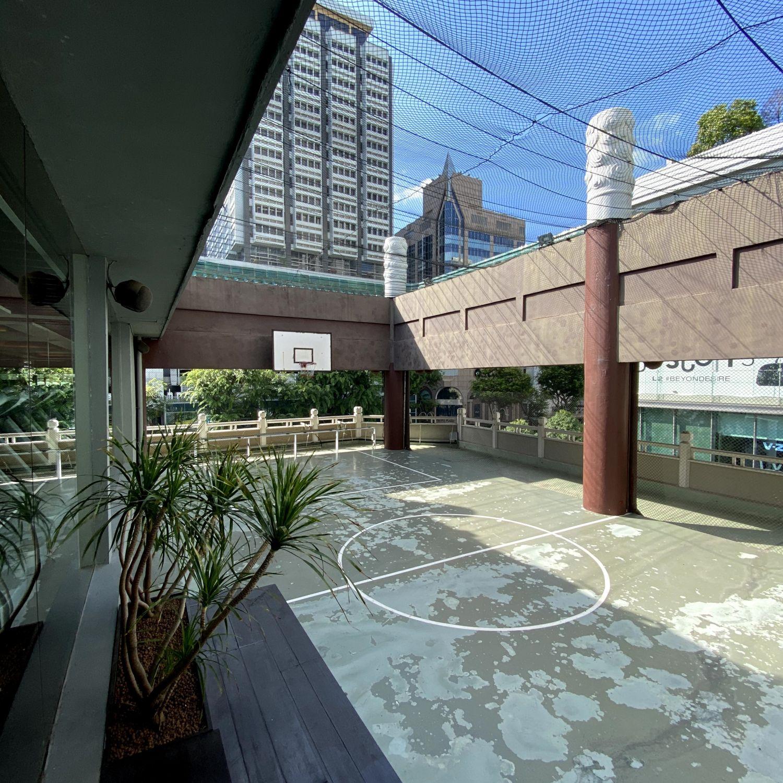 singapore marriott tang plaza hotel half basketball court
