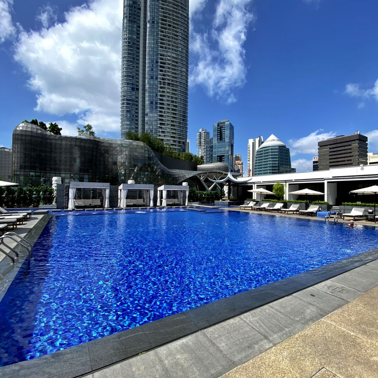 singapore marriott tang plaza hotel swimming pool
