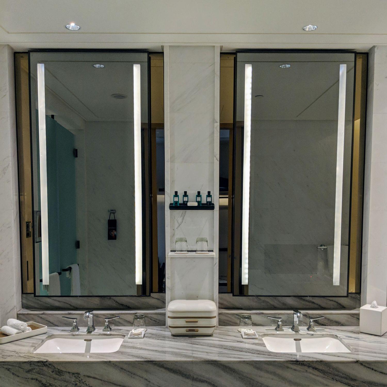 sofitel singapore city centre prestige suite bathroom