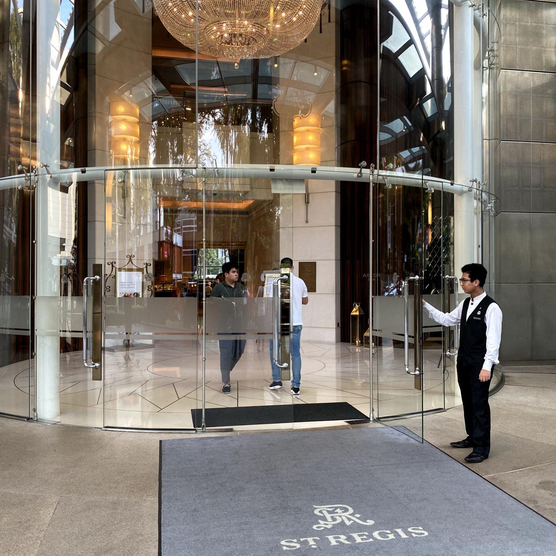 the st. regis singapore entrance