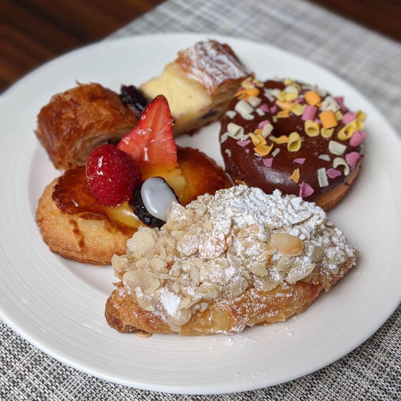 the st. regis singapore brasserie les saveurs breakfast pastries