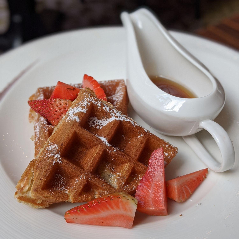 the st. regis singapore brasserie les saveurs breakfast belgium waffles