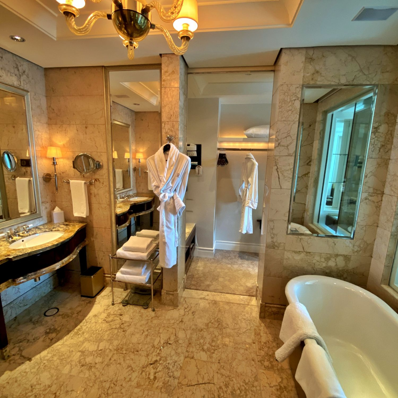 the st. regis singapore caroline astor suite bathroom