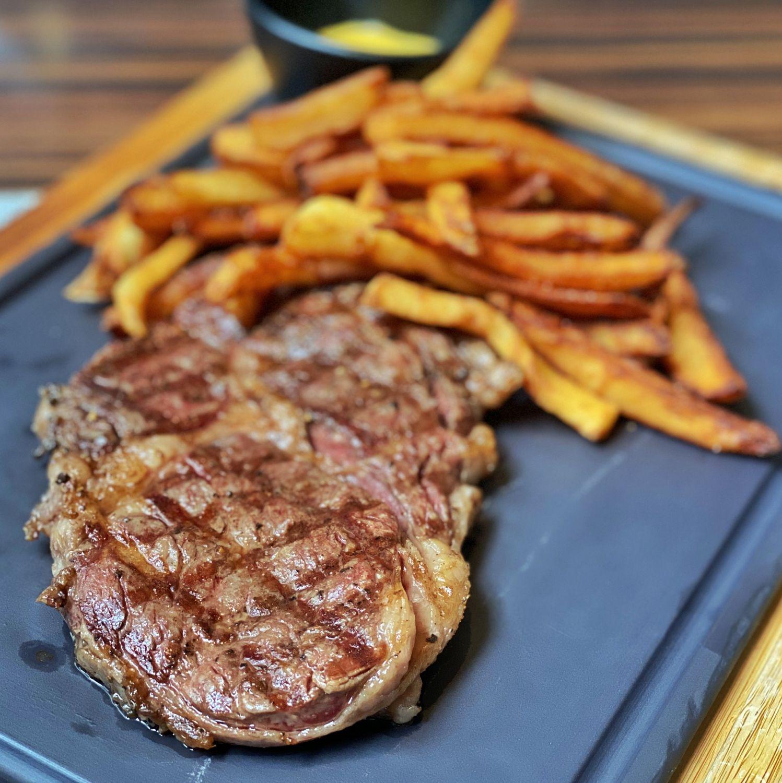 the st regis singapore brasserie les saveurs Steak Frites