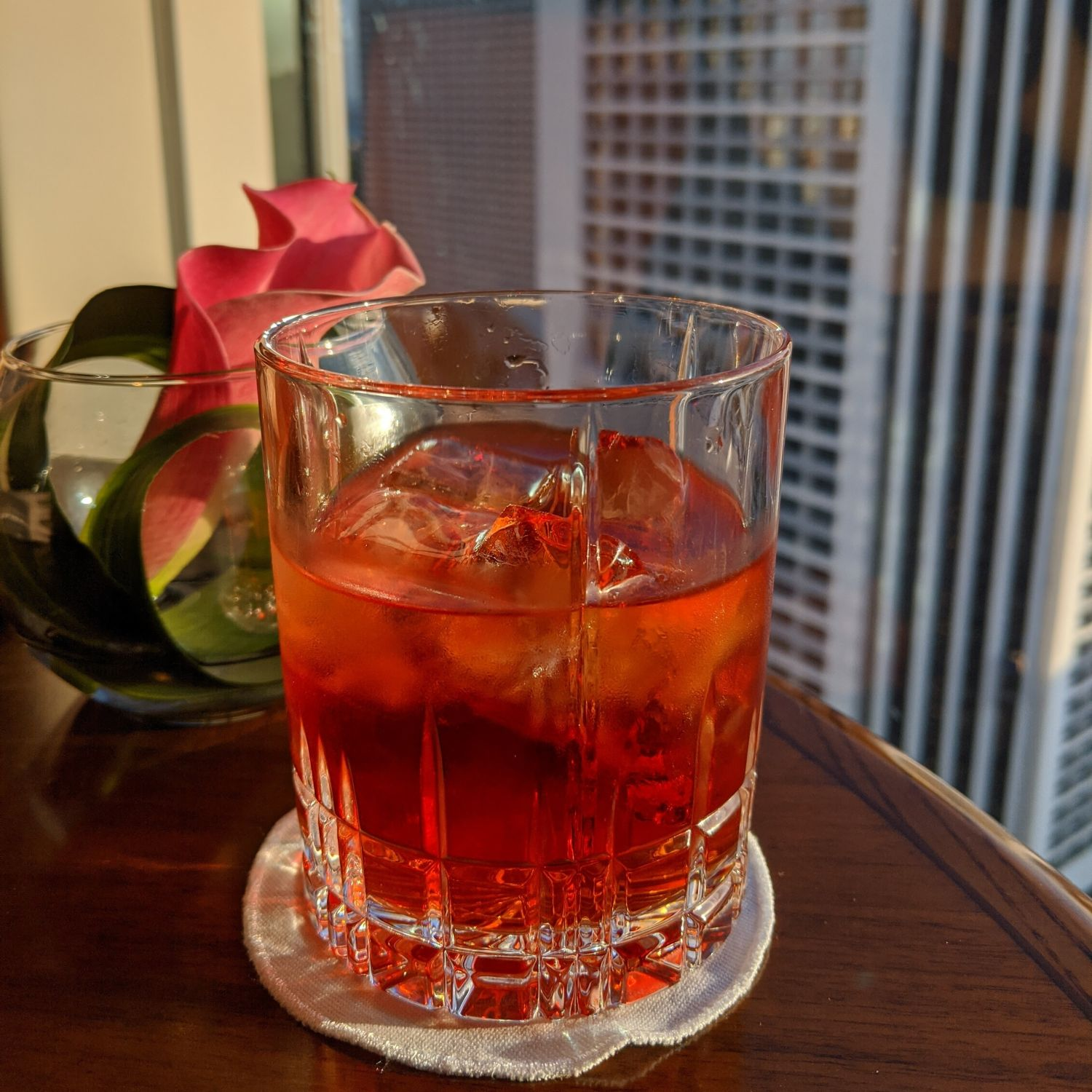 conrad centennial singapore executive lounge negroni