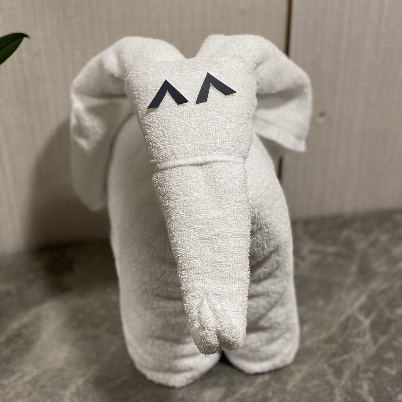 hilton singapore executive suite towel mascot