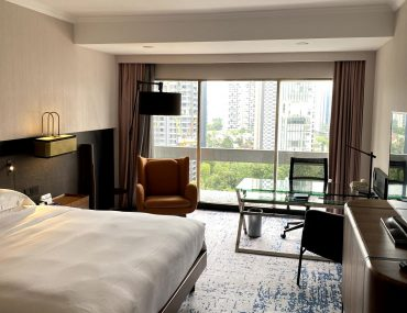 Hotel Review: Hilton Singapore (Executive Suite) – Business Hotel Comfort with Reliable Hospitality Along Orchard Road