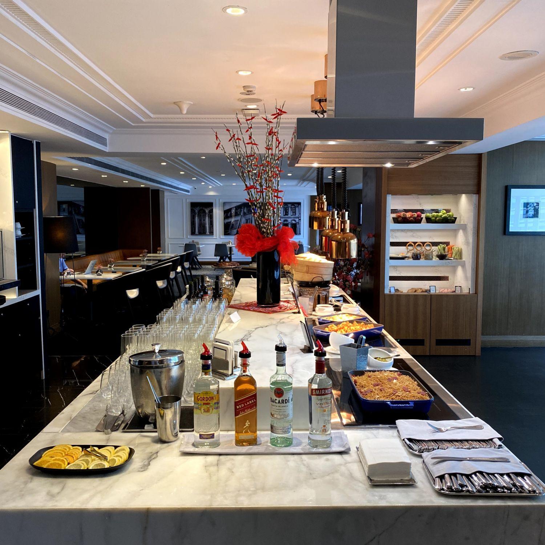 hilton singapore executive suite executive lounge evening cocktails and canapes