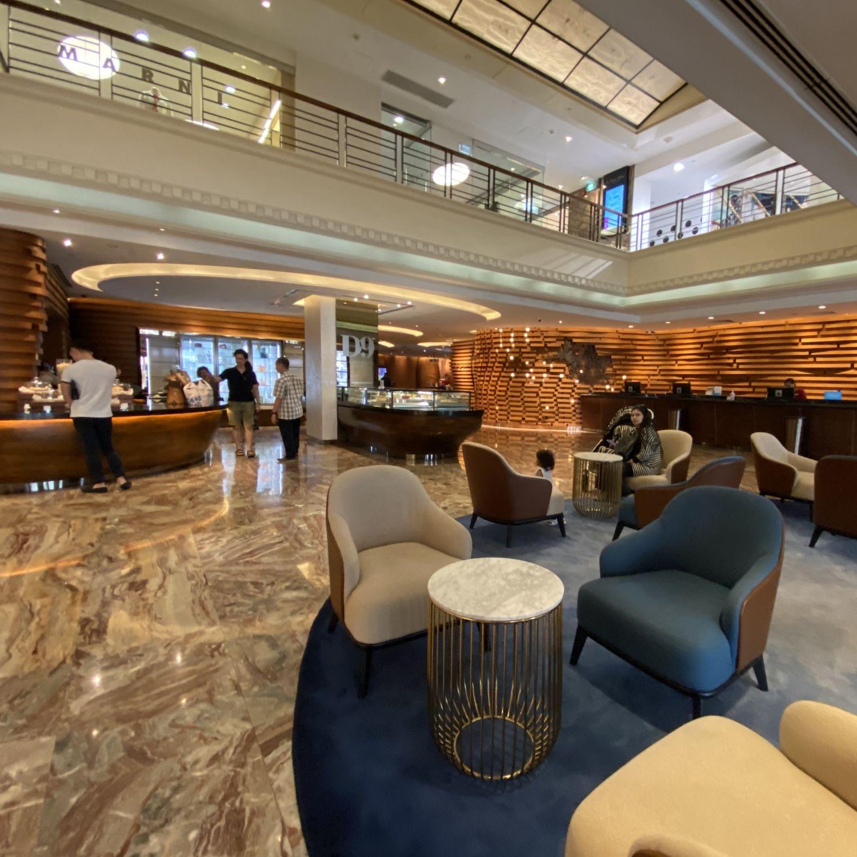 hilton singapore lobby