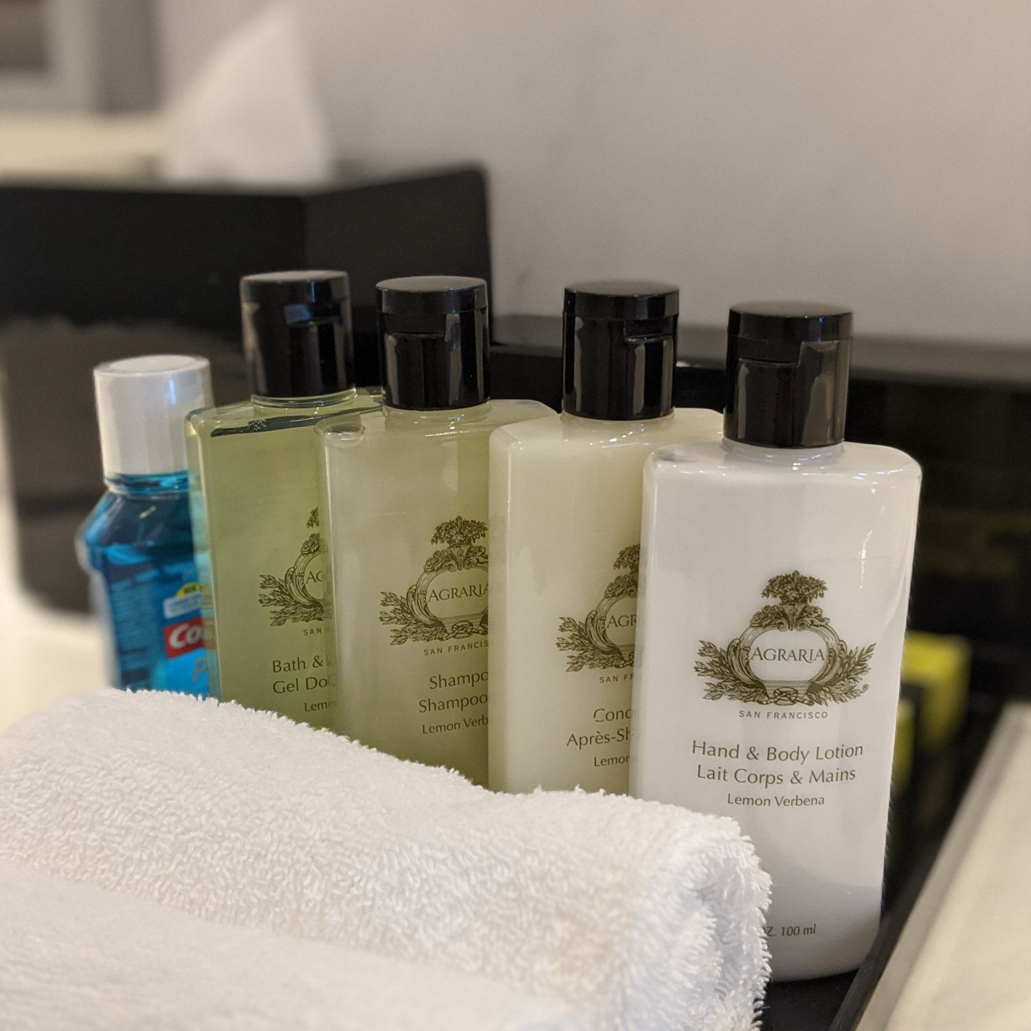intercontinental singapore heritage suite bathroom bathroom amenities