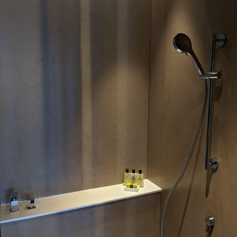 InterContinental Singapore Robertson Quay bathroom