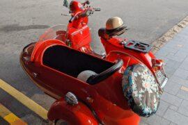 mandarin oriental singapore vintage vespa sidecar ride