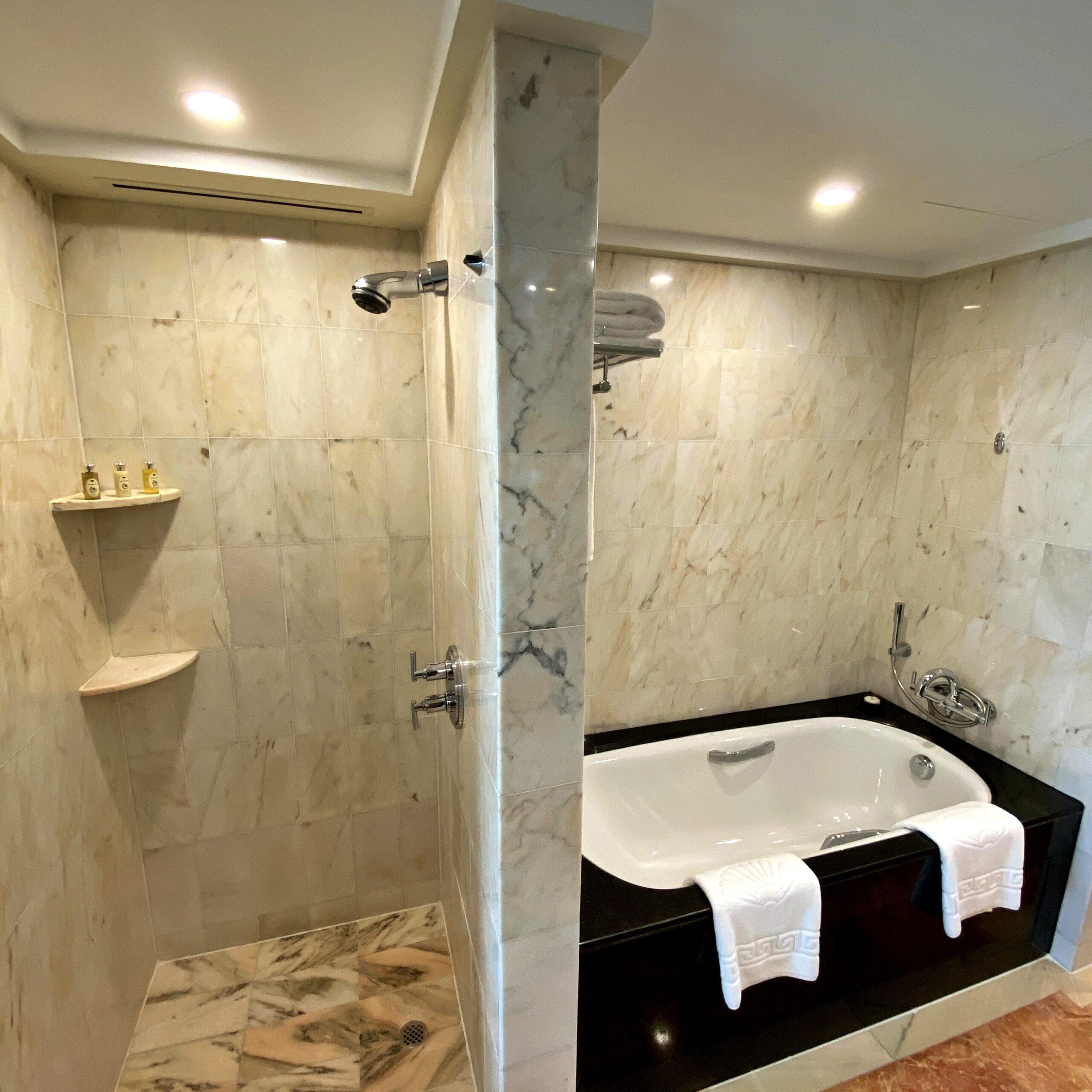 mandarin oriental singapore marina bay view room bathroom